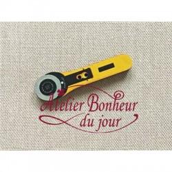 "Bouton ""Cutter rotatif jaune"""