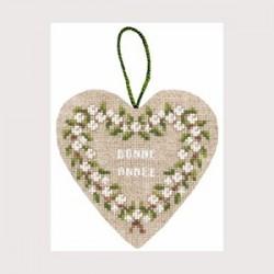 Boîte coeur baies blanches présentation cadeau