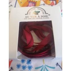 Au ver à soie : ruban de soie coloris bordeaux  7 mm