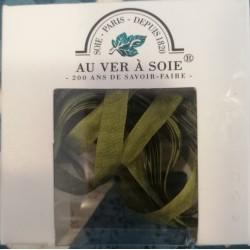 Au ver à soie : ruban de soie coloris Vert  7 mm
