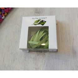 Au ver à soie : ruban de soie coloris vert 4 mm