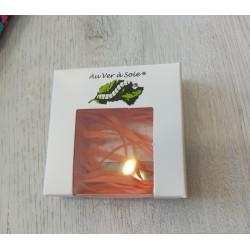 Au ver à soie : ruban de soie coloris orange 4 mm