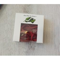Au ver à soie : ruban de soie coloris rouge foncé 4 mm